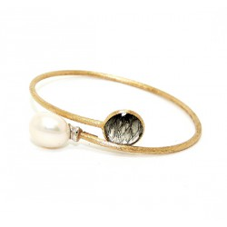 Yellow gold, pearl and rutilated quartz bracelet