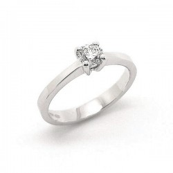 White gold diamond solitaire ring